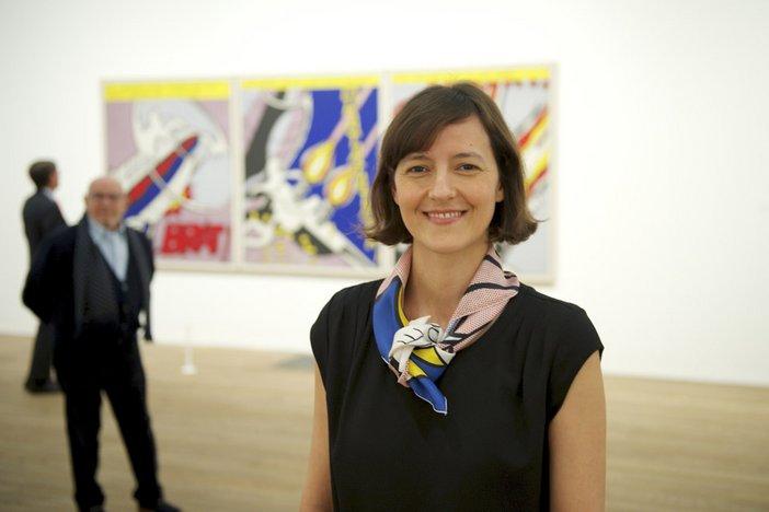 Curator Iria Candela in the Lichtenstein: A Retrospective exhibition at Tate Modern