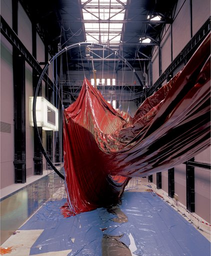 Anish Kapoor Marsyas being installed in the Turbine Hall