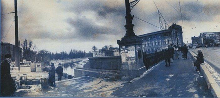 Boris Mikhailov, Untitled, from the series At Dusk 1993