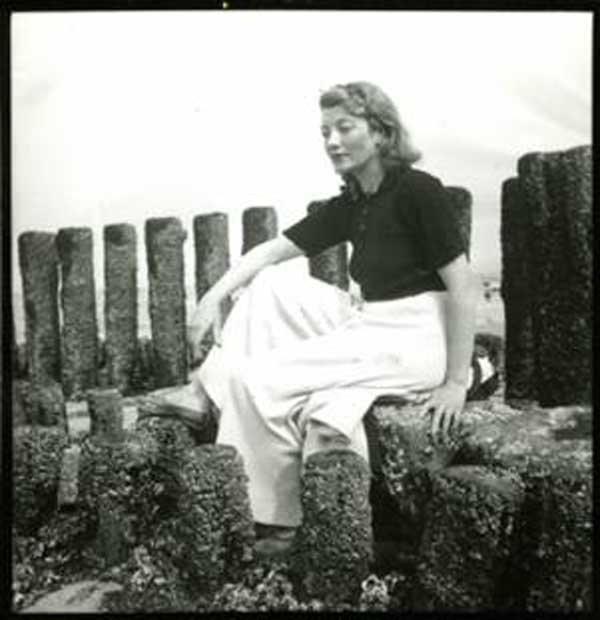 Eileen Agar portrait seated outdoors