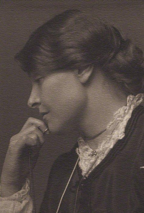 George Charles Beresford Alice Mary (née Knewstub), Lady Rothenstein c.1901