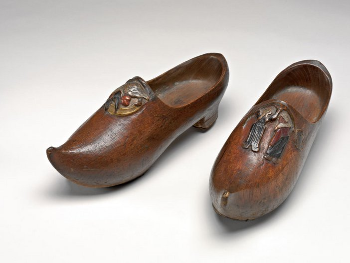 Gauguin's Wooden Shoes 1889-90