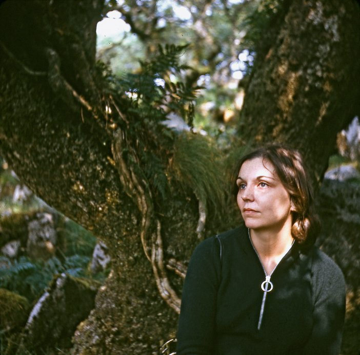 Nancy Holt in Wistman's Wood, Dartmoor, photographed by Robert Smithson, 1969