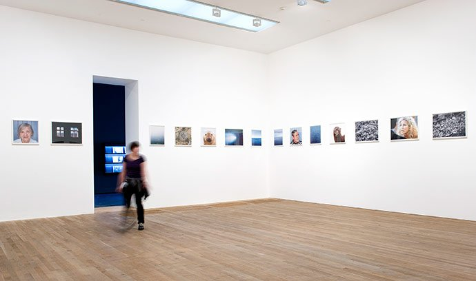 Roni Horn Pi 1998 (Installation view at Tate Modern, 2009)