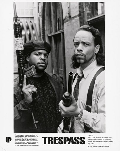 Ice Cube and Ice T in a promotional photo for the film Looters released as Trespass 1992 image of two male figures holding guns