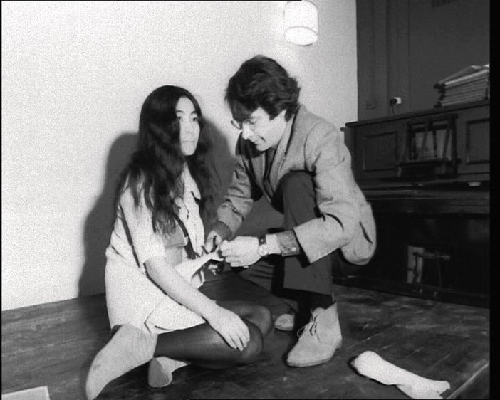 Yoko Ono Cut Piece 1966 British Pathé (London, UK)