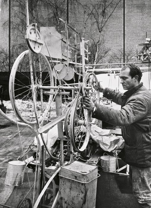 Jean Tinguely at work on Homage to New York 1960
