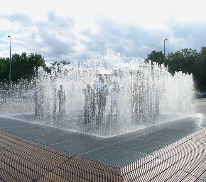 Jeppe Hein Appearing Rooms 2004 installation