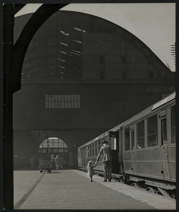 King's Cross London 1941 Wolfgang Suschitzky Another London CORE