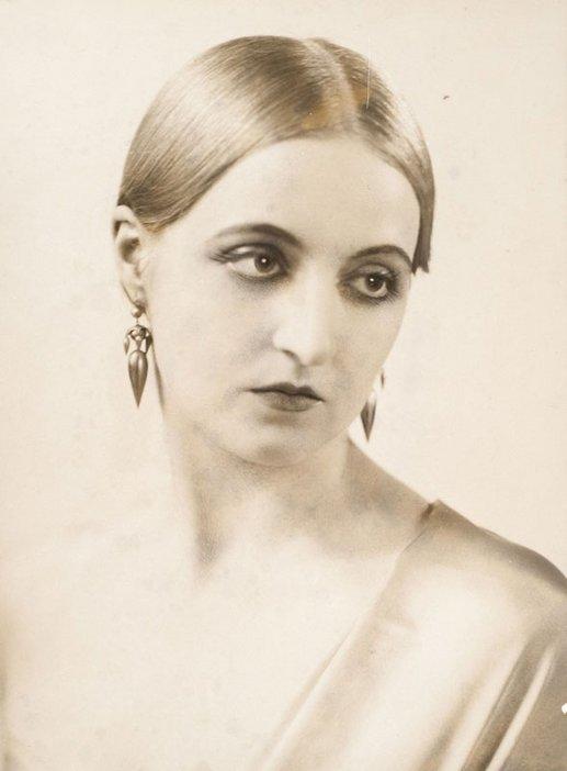 Studio portrait photograph of Eileen Mayo