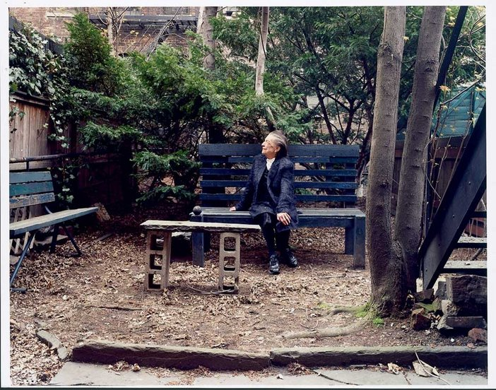 Nigel Shafran Louise Bourgeois Listening to Birdsong, taken in the artist's back garden, New York 2000
