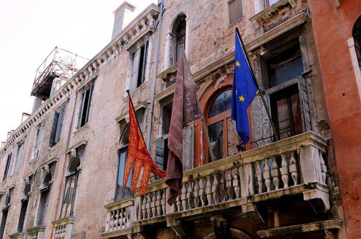 Teresa Margolles, Flag 2009