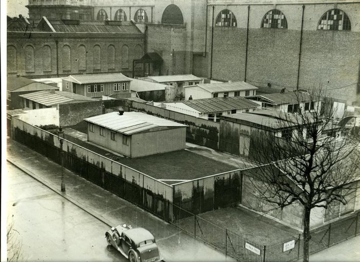 Prototype prefabricated houses on the corner of Bulinga Street and John Islip Street in the 1940s