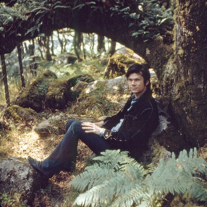Robert Smithson in Wistman's Wood, Dartmoor, photographed by Nancy Holt 1969