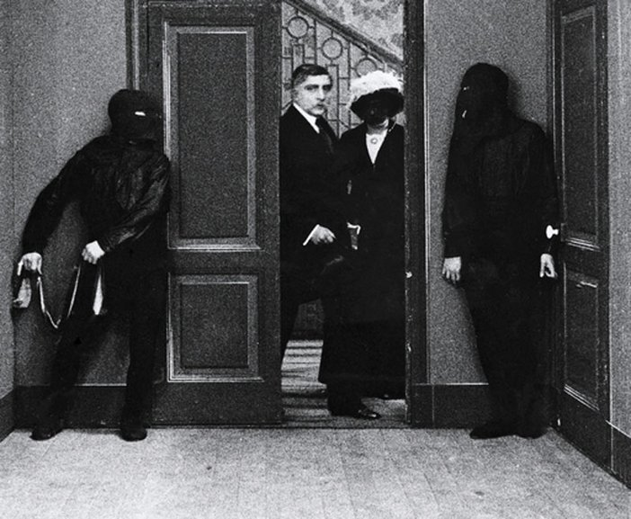 Still from Louis Feuillade's Fantômas (1913)