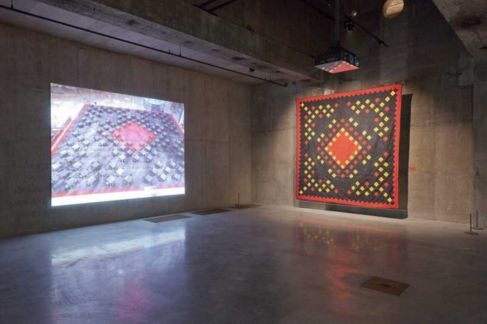 Suzanne Lacy The Crystal Quilt installation 2