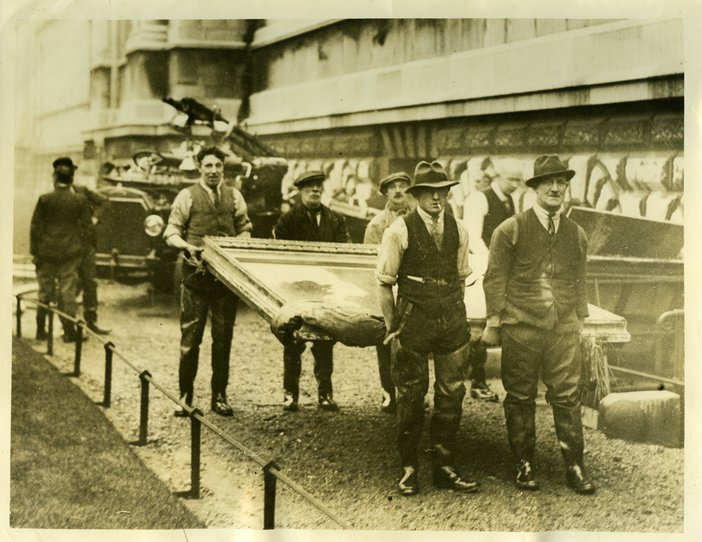 The rescue of paintings at Tate on the morning of 7 January 1928