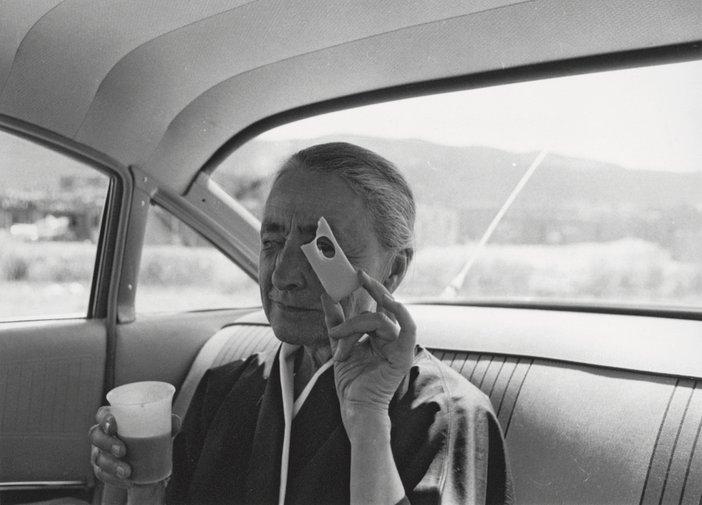 Tony Vaccaro, Georgia O'Keeffe, Taos Pueblo, New Mexico, 1960