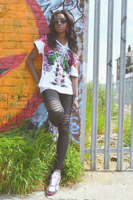 Yasmin solo – Now everybody vogue