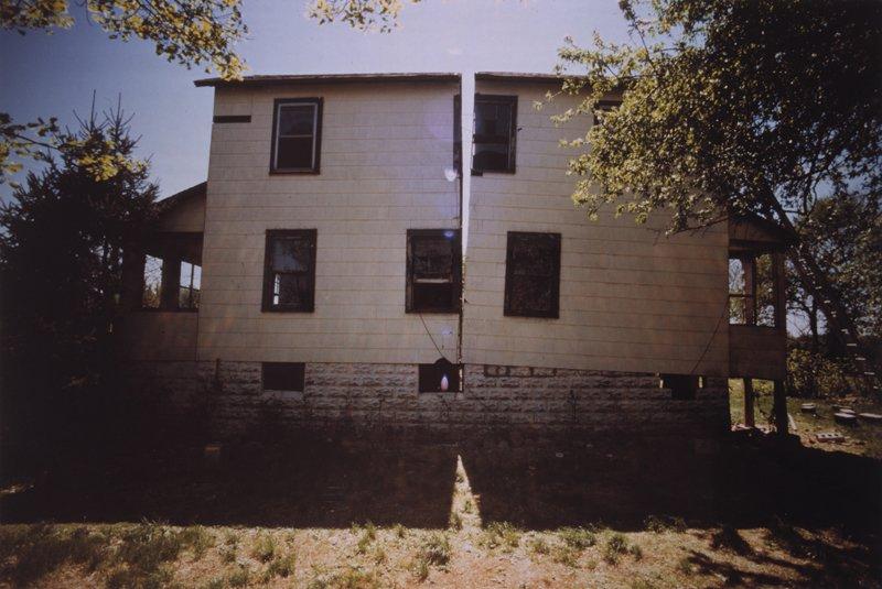 Gordon Matta-Clark Splitting 1974