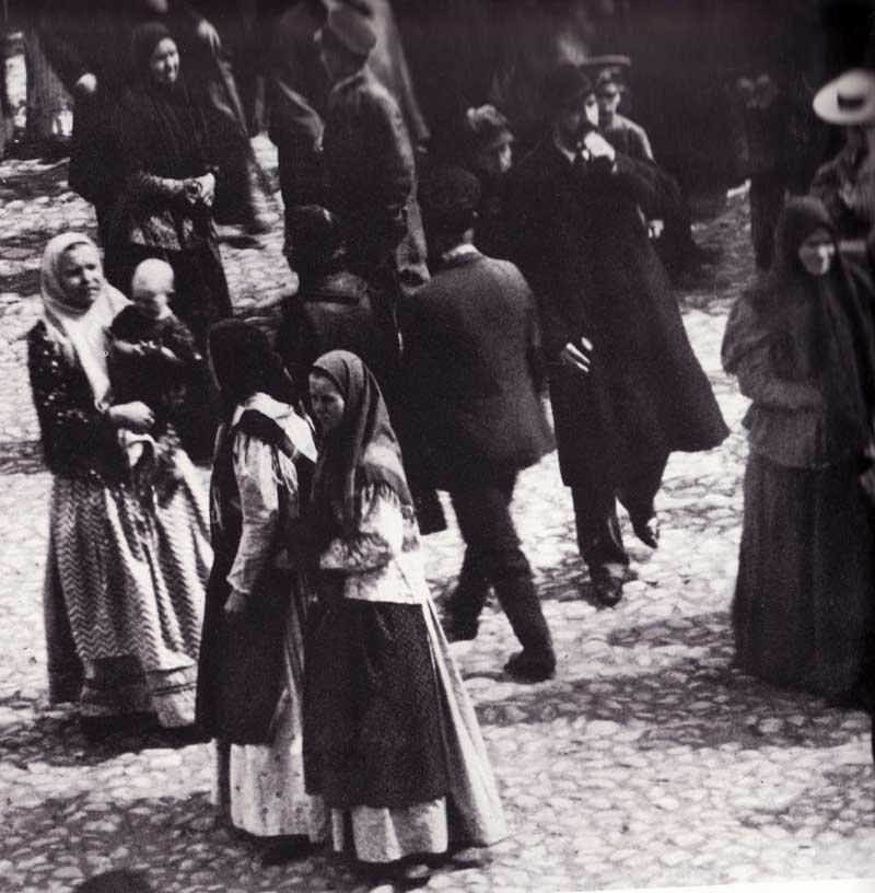 Anonymous Photograph of a Procession in Nizhny Novgorod 1899