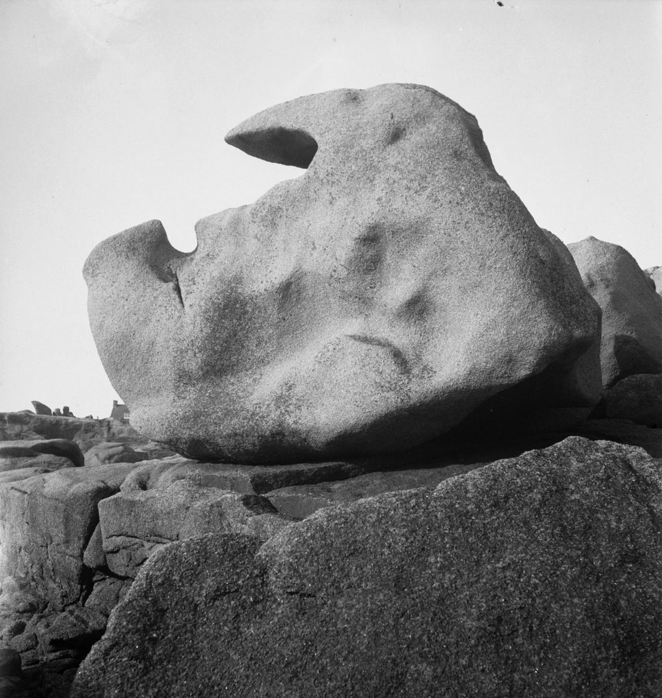 Eileen Agar Photograph of rocks in Ploumanach