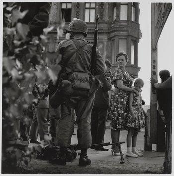 Don McCullin Friedrichstrasse Berlin 1961