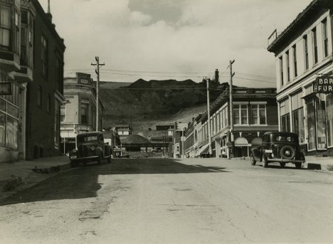 William Johnstone, Colorado Mining Town 1949–50