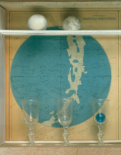 Joseph Cornell View of left-hand side of Planet Set showing the two wooden balls. Although the box is typically displayed so that the balls sit in the position recorded here in the official view of th