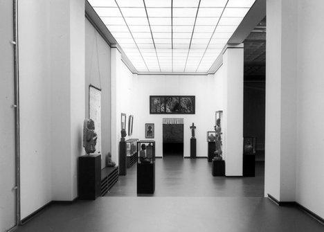 Simon Starling Nachbau Installation view 2007