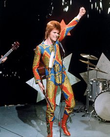 David Bowie performing Starman on Top of the Pops, 6 July 1972