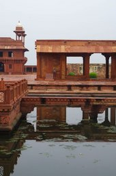 How the Islamic architecture of Fatehpur Sikri inspired Nasreen Mohamedi