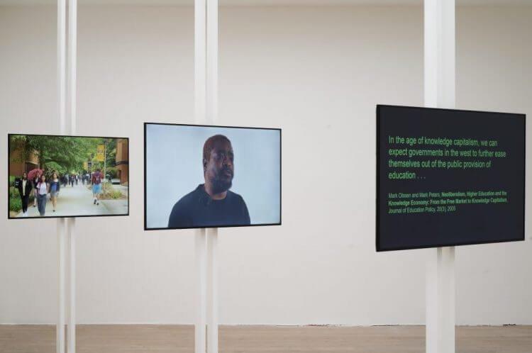 Fig.12 Antoni Muntadas, Veduta dell'installazione della mostra Activating Artefacts: About Academia, De Appel, Amsterdam, 2017