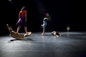 Freddie Opoku-Addaie, 'Mis-Thread' by Dancers Azzurra Ardovini, Chris Rook & Louise Tanoto. Robin Howard Commission, photo by Benedict Johnson.