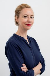 Portrait photograph of Sarah Ganz Blythe contributor in Tate Intensive 2019