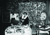 Zeid in her home, Amman, 1991