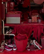 Robert Therrien RED ROOM 2000–7