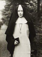 August Sander, Nun 1921, printed 1990