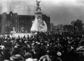 The Victoria Memorial outside Buckingham Palace, London being unveiled for the first time in 1911