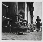 Image credit: Don McCullin (b. 1935) Near Checkpoint Charlie, Berlin 1961.Tate, © Don McCullin