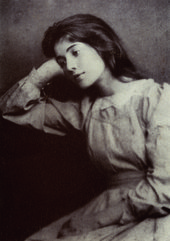 Edna Clarke Hall in 1895, photographed by Lizzie Caswall Smith