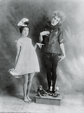 Erwin Osen, also known as Mime van Osen or Erwin dom Osen, with dancer Moa Mandu during a pantomime performance, Austria, c1910 - Getty Images / Imagno / Hulton Archive