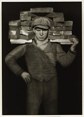Fig.3 August Sander, Bricklayer 1928, printed 1990