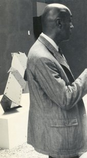 Fig.5 Edgar Negret at the 1968 Venice Biennale