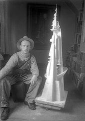 Fig.4 Theodore Roszak, Self-Portrait with Tower Construction 1931–3