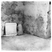 Francesca Woodman, Self-deceit #6, Rome, Italy, 1978, gelatin silver print on paper, 20.3 x 25.4 cm - © Courtesy of George and Betty Woodman