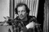 Franz West in 1990, photographed by Elfie Semotan - © Elfie Semotan