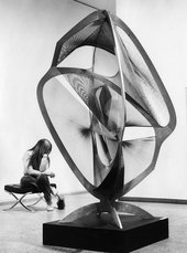 Naum Gabo's Linear Construction No.4 installed at the Nationalgalerie Berlin in 1971