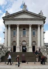 Tate Britain, Millbank Steps