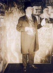 David Burliuk posing for a photograph in New York